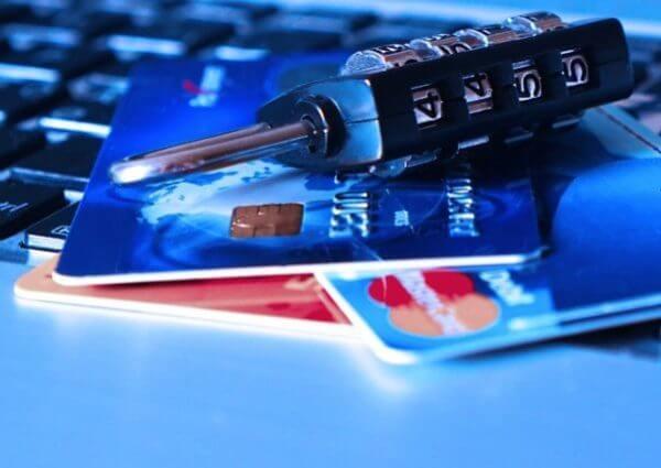 クレジット現金化でカードが利用停止になる理由