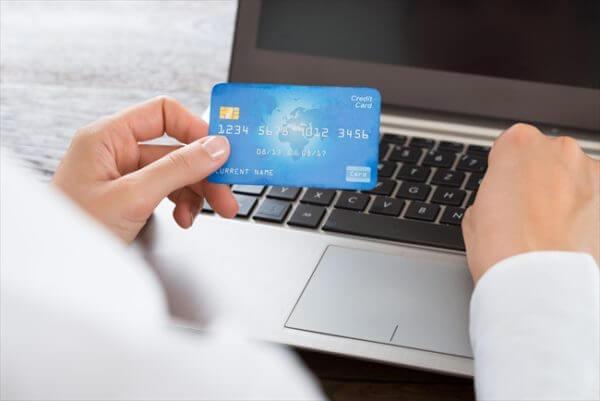 クレジットカード現金化は他人名義でもできる?